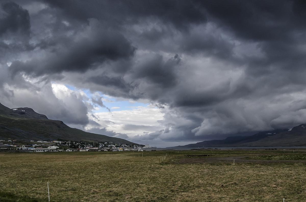 Regenwolken bij de  Oxi pass.