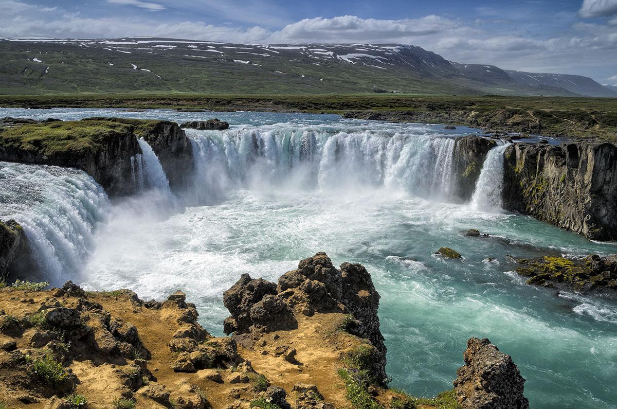 De Godafoss, een waterval in de rivier Skjalfandafljót .